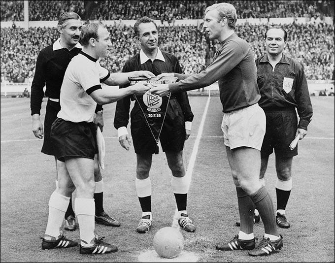 Англия. 1966 г. Challenge 4-star