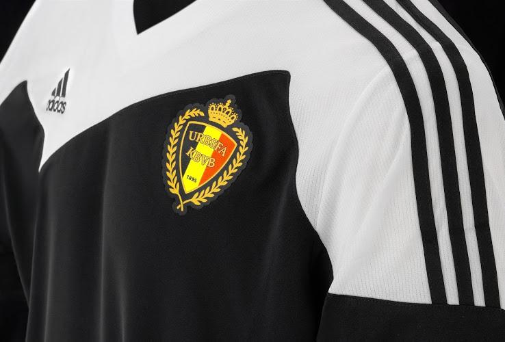 Гостевая форма сборной Бельгии на 2015 год.