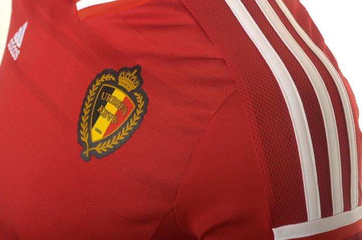 Домашняя форма сборной Бельгии на 2015 год.