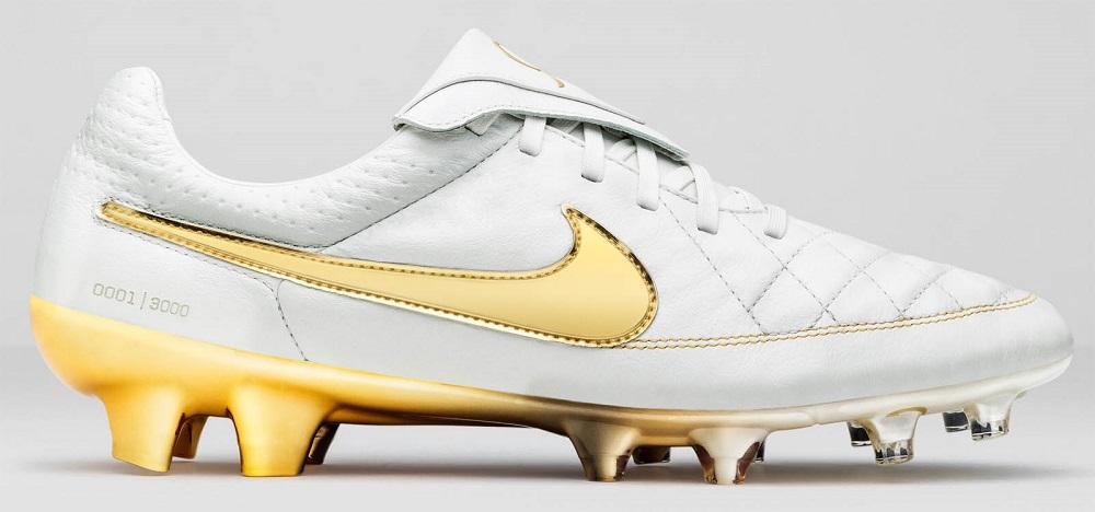 Бутсы Nike Tiempo Legend Ronaldinho