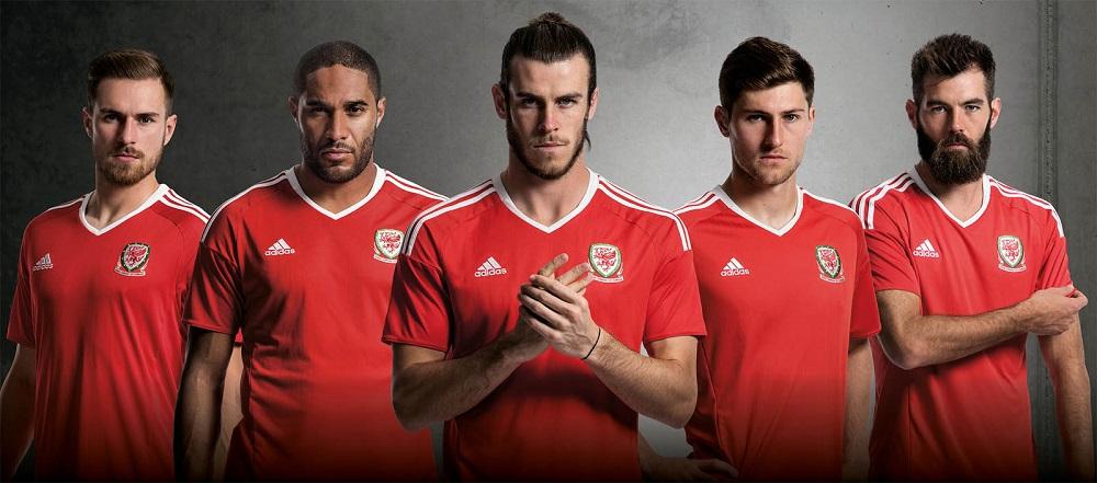 Форма сборной Уэльса 2016