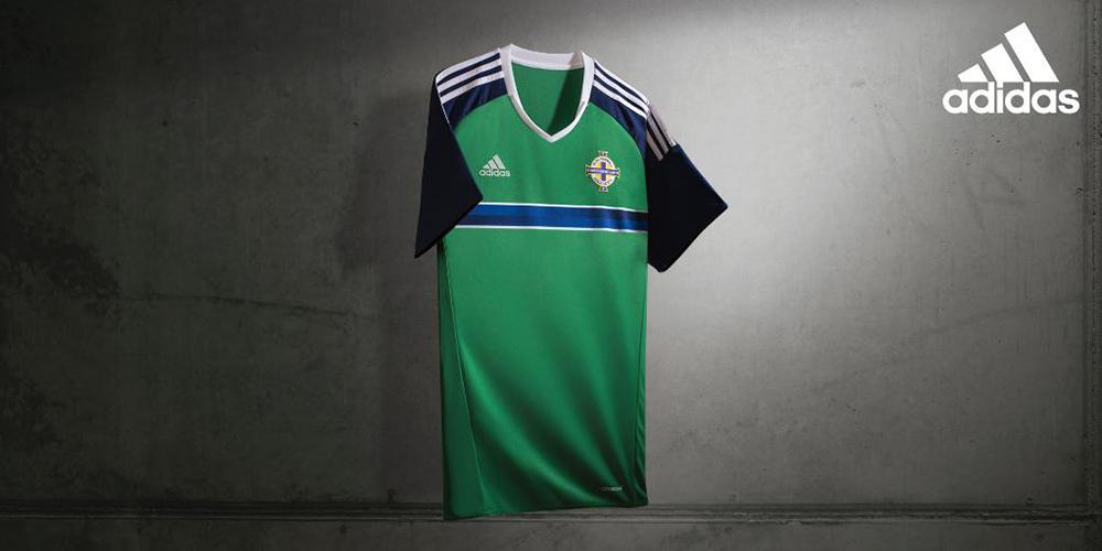 Форма сборной Северной Ирландии 2016