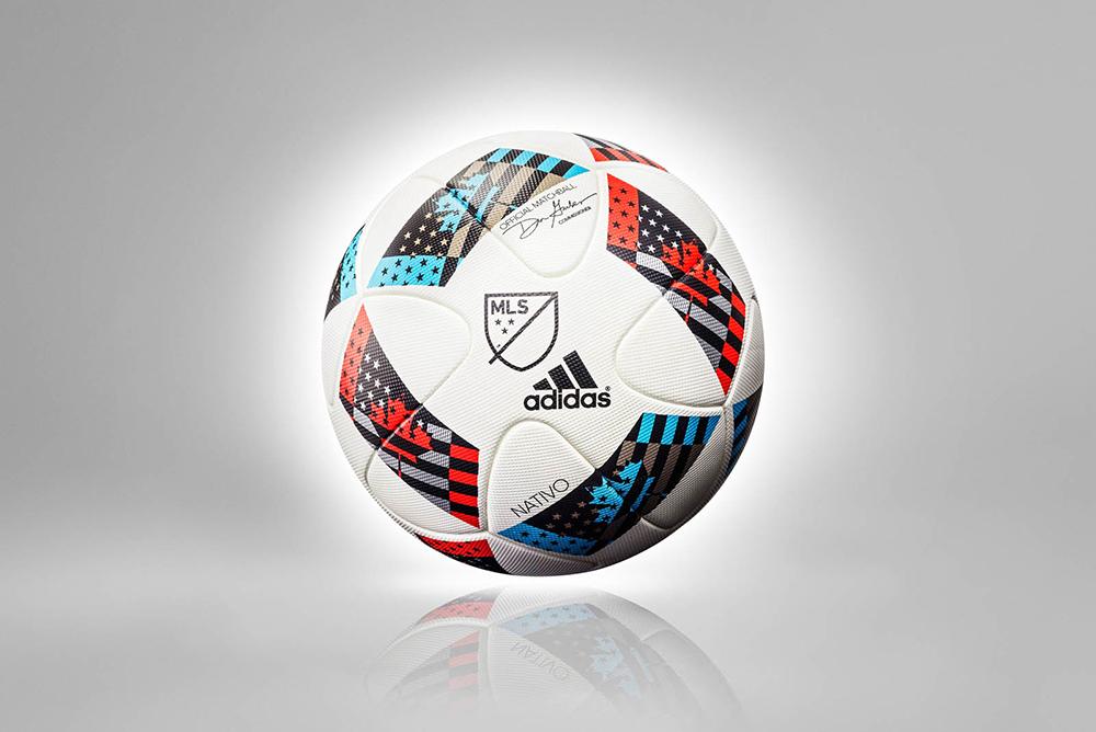 Мяч чемпионата MLS 2016