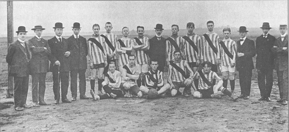 Боруссия Дортмунд в 1913 году.