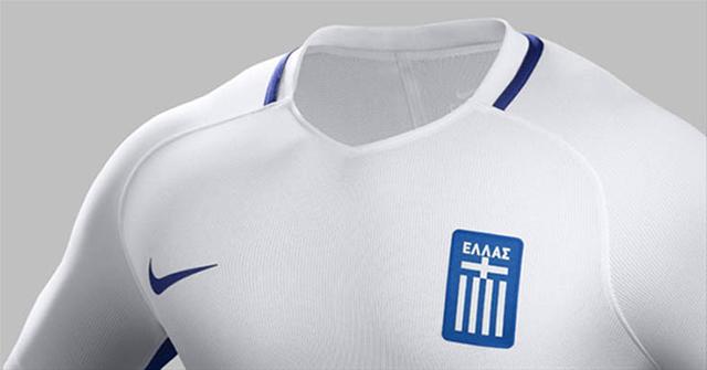 Домашняя форма сборной Греции 2016