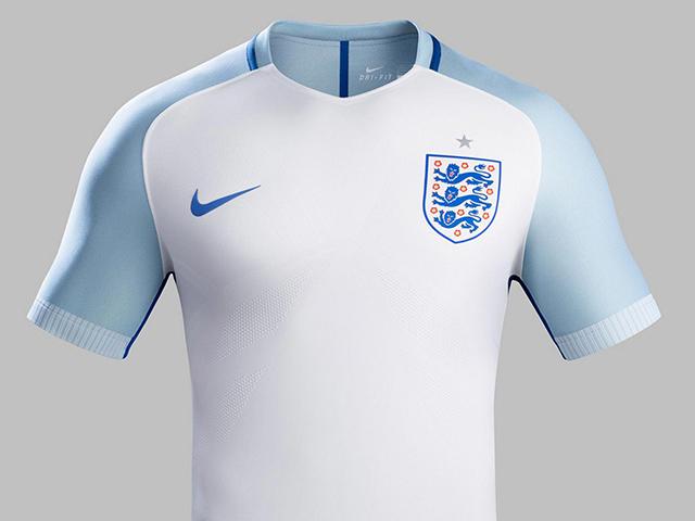 Домашняя форма сборной Англии 2016