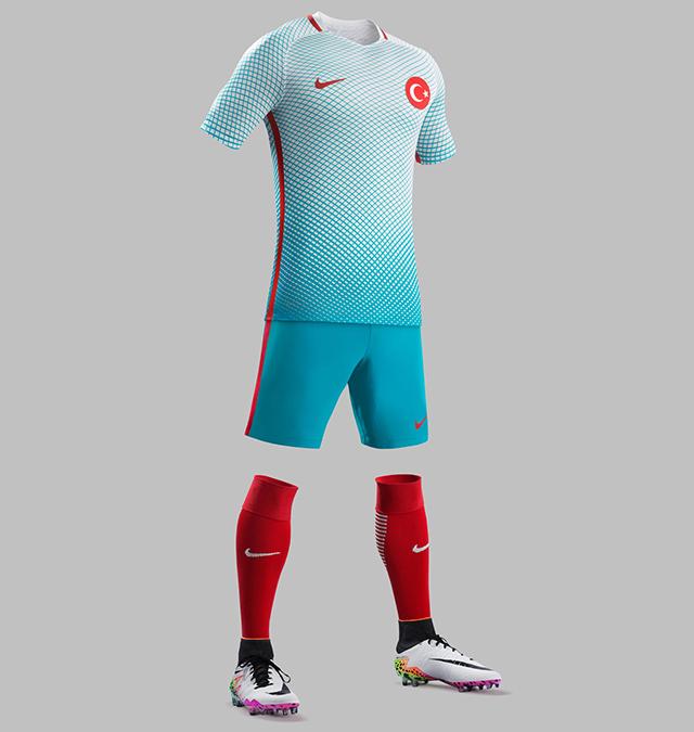 Гостевая форма сборной Турции 2016
