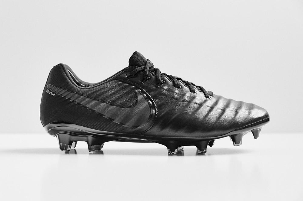 """13: Nike Tiempo Legend 7 """"Black Platinum"""""""