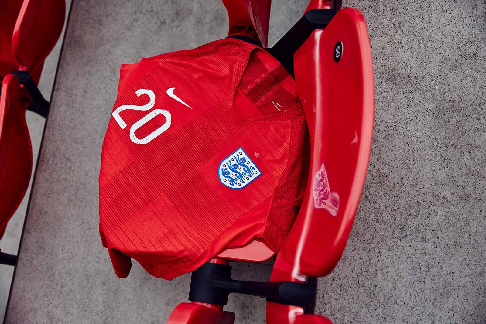 Гостевая форма сборной Англии 2018