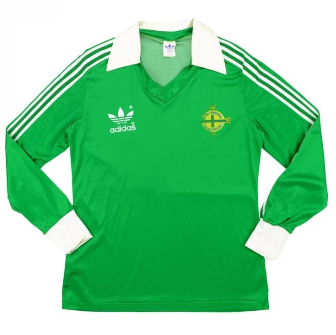 Домашняя формасборной Северной Ирландии 80-82